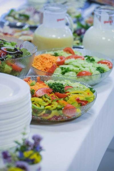 Das Bild Catering-Salate.jpg vergrössern