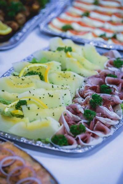 Das Bild Catering-Schinken-und-Melone.jpg vergrössern